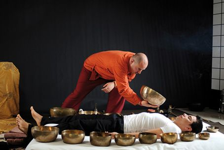 Tibetan-singing-bowl-massage-online-massage-course