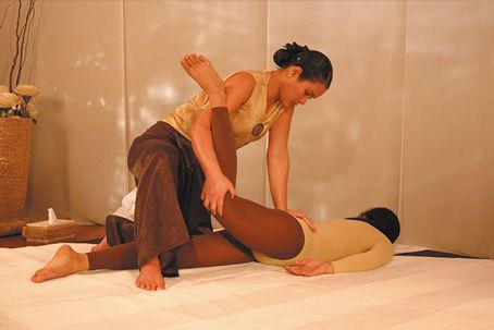 Traditional-thai-massage-online-massage-course