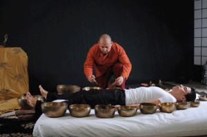 singing-bowl-session-massage-around-the-world