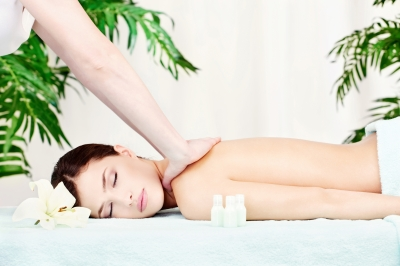 women-getting-massage